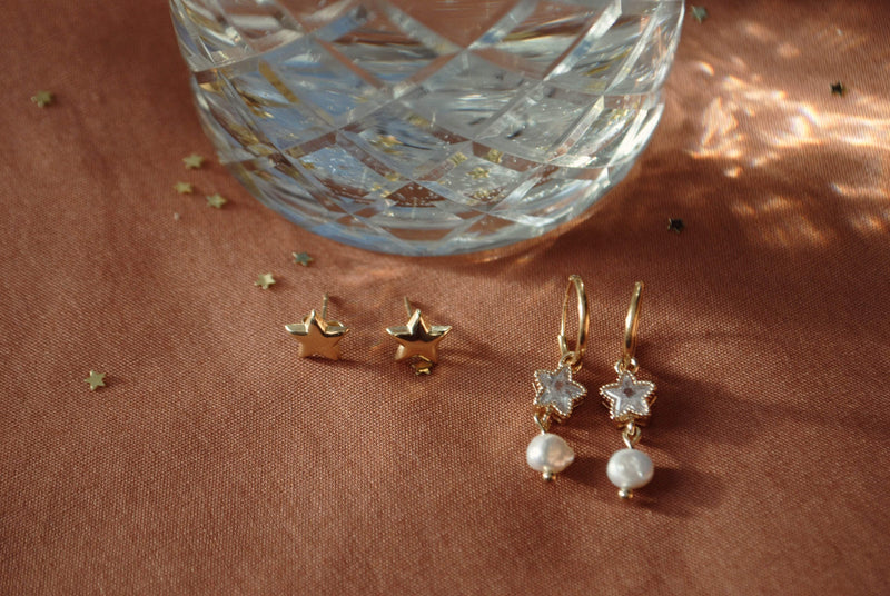 Zirconia star with freshwater pearl pair of earrings