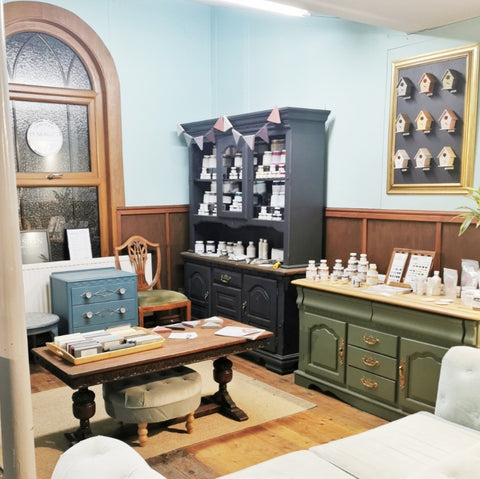 Fusion mineral paint product display