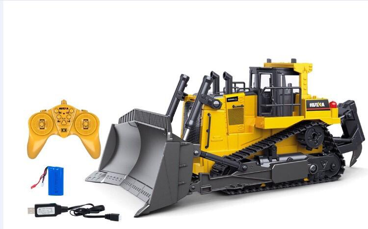 Huina rc bulldozer with remote and battery