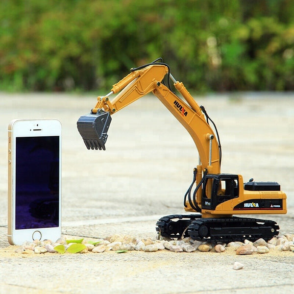 Huina 1710 1:50 Alloy Diecast Excavator with iphone