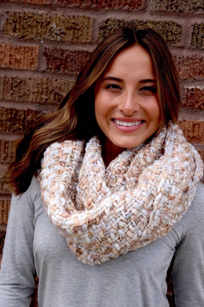 Load image into Gallery viewer, Infinity Scarf - Cream