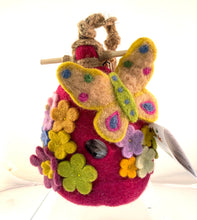 Load image into Gallery viewer, Felted Bird House
