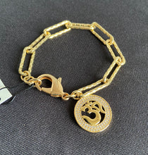 Load image into Gallery viewer, Paper clip charm bracelet