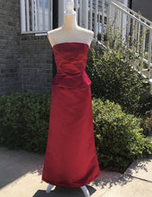 Load image into Gallery viewer, Bill Levkoff 2 Piece Red Prom Skirt & Top Size 6
