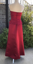 Load image into Gallery viewer, Size 6 Bill Levkoff 2-Piece Red Prom Skirt & Top