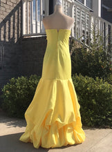 Load image into Gallery viewer, Size 7-8 Masquerade Yellow Strapless Prom Dress