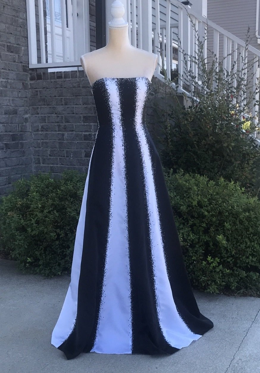 Alyce Black And White Formal Dress Size 6