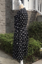 Load image into Gallery viewer, ModCloth Black Long Sleeve Pleated Dress