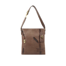 Load image into Gallery viewer, Sadhavi 02 shoulder bag