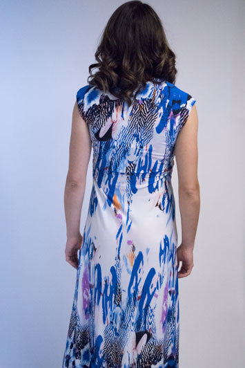 Sleeveless print maxi dress in tones of blue