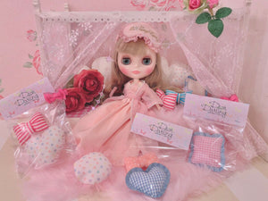 "Dear Darling fashion for dolls ""Cushion"""