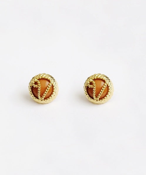V Twist Stud Brown Pierce