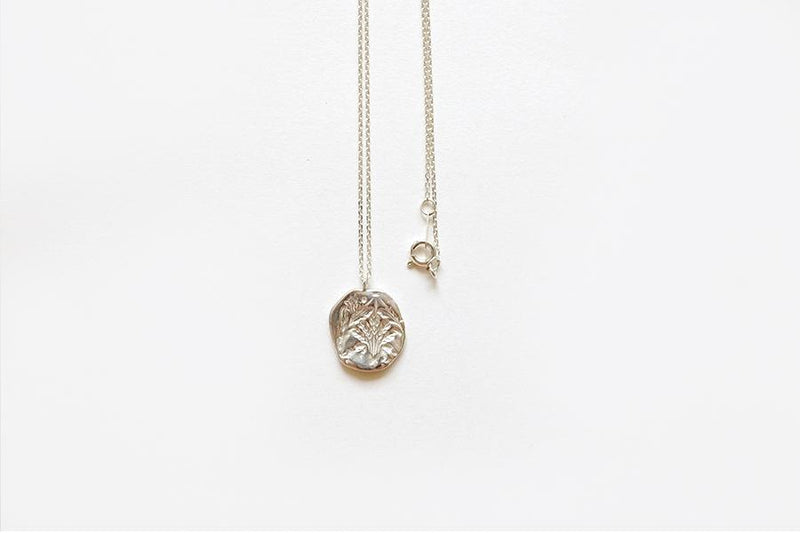 Oat Circle Necklace (Silver)
