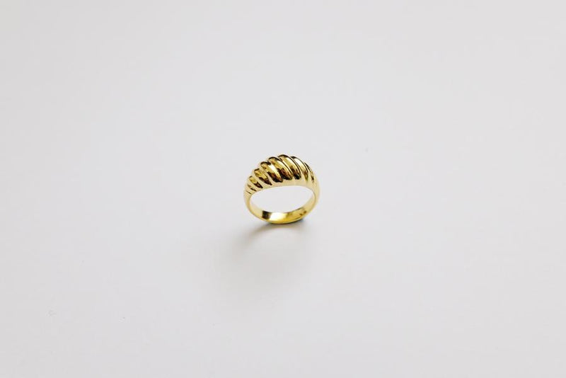 Diagonal Ring M size - Gold