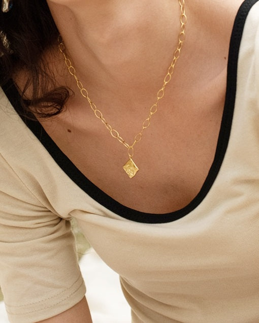 Rose Oval Chain Necklace (Gold)