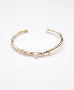Scent Pearl Bangle