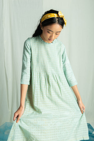 relaxed fitting long sleeve cotton dress