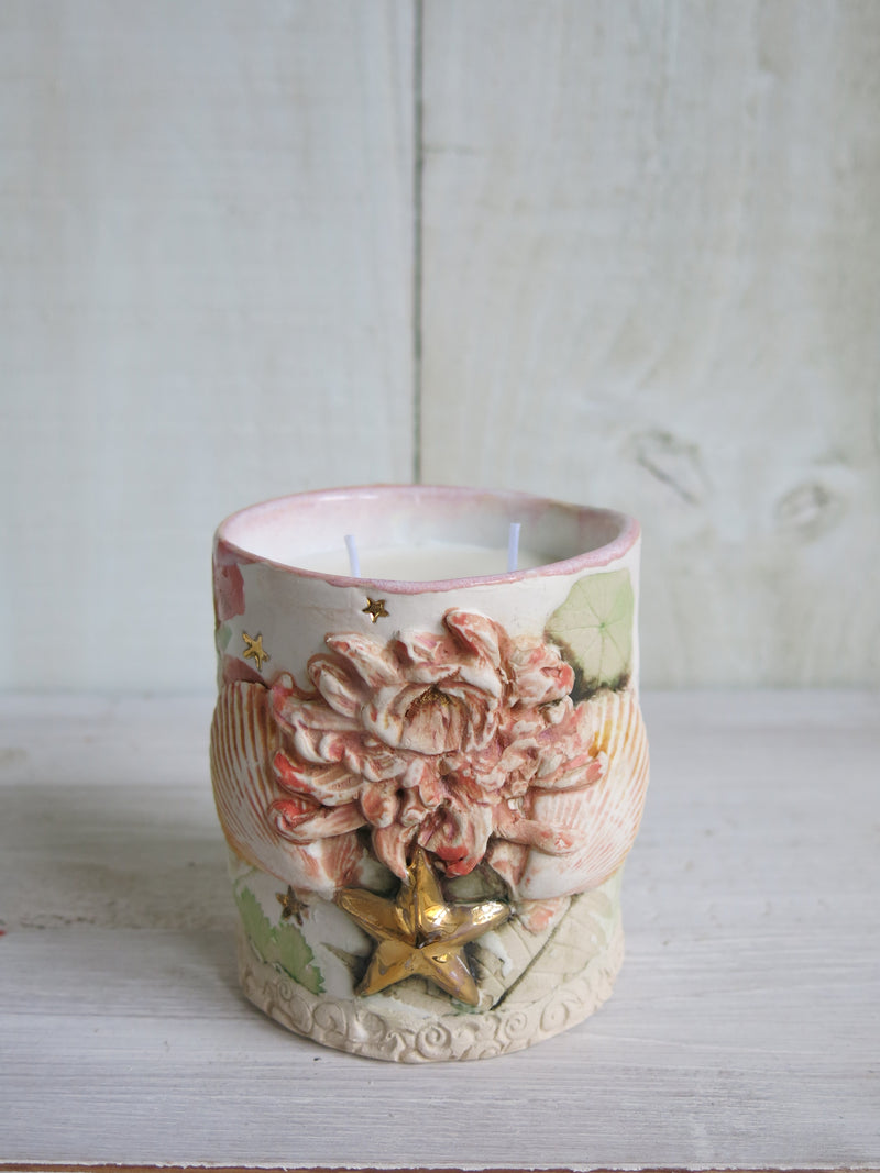Dahlia Shell Botanical Candle - 2 wick