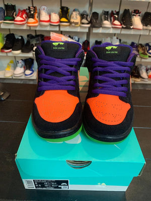 Load image into Gallery viewer, Nike SB Dunk Low Night Of Mischief Halloween