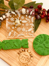 Load image into Gallery viewer, Christmas Flora Texture Plate