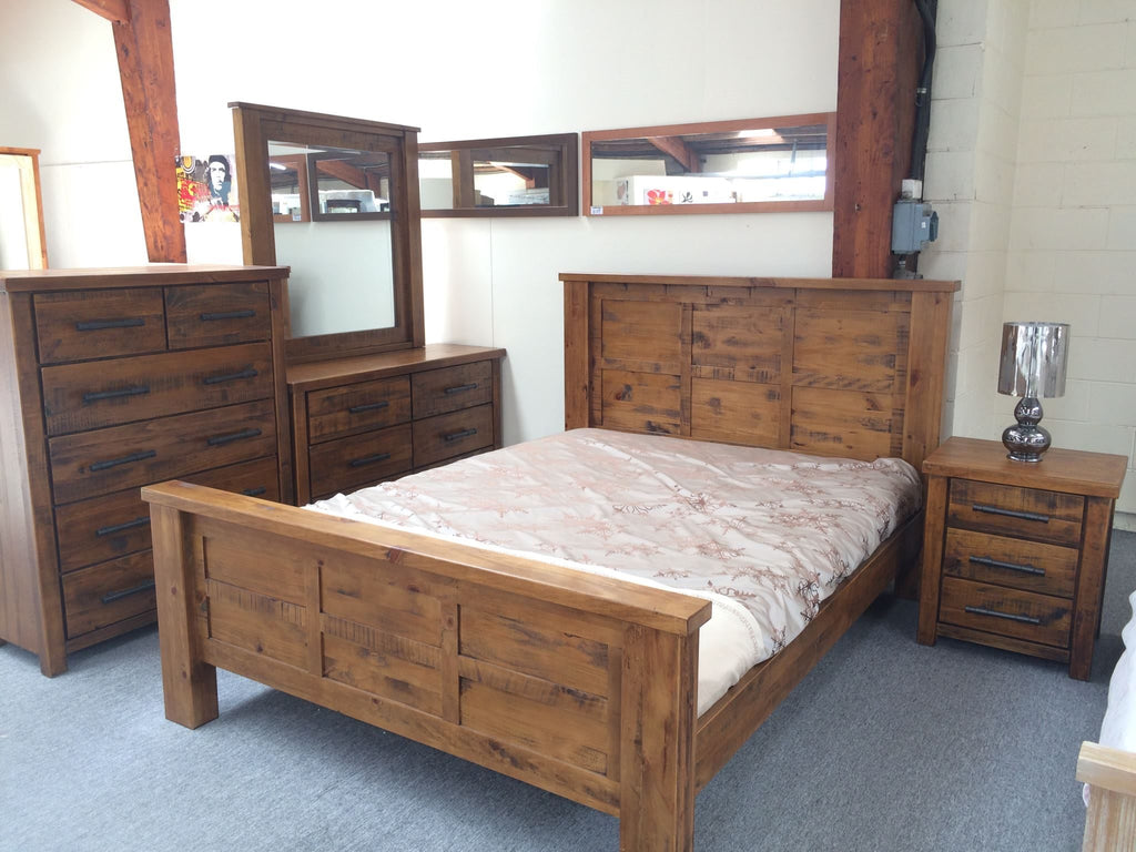 4PCS  Bedroom Suite Solid Pine Wood Rough Sawn and Rustic (Woodlock)
