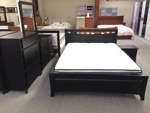 Queen Size Bed Solid Pine Wood Black Colour (Perry)