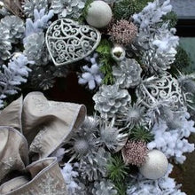 Load image into Gallery viewer, Christmas Wreaths