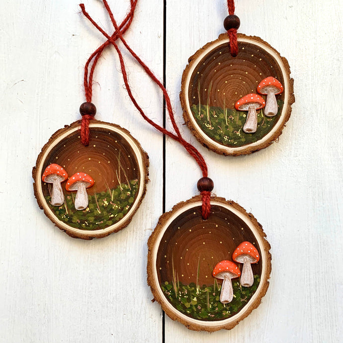 Hand-painted Woodland Toadstool Wood Slice Decoration - Cherry Pie Lane