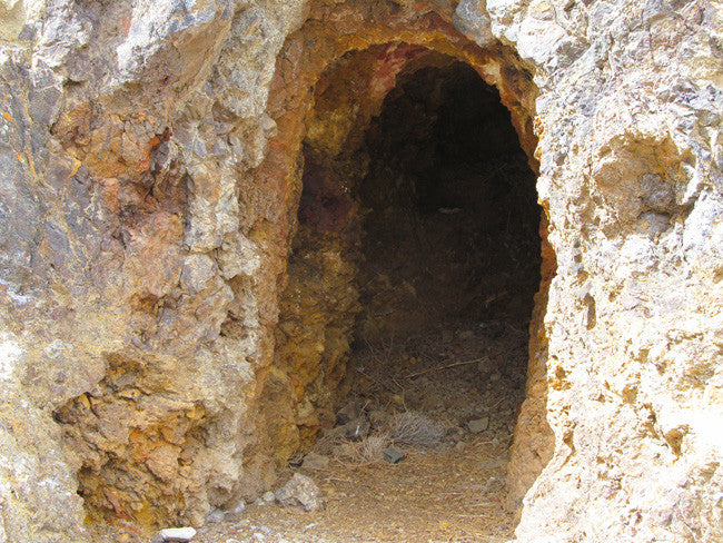 Middlegate Historic Gold Mine with massive Tailings