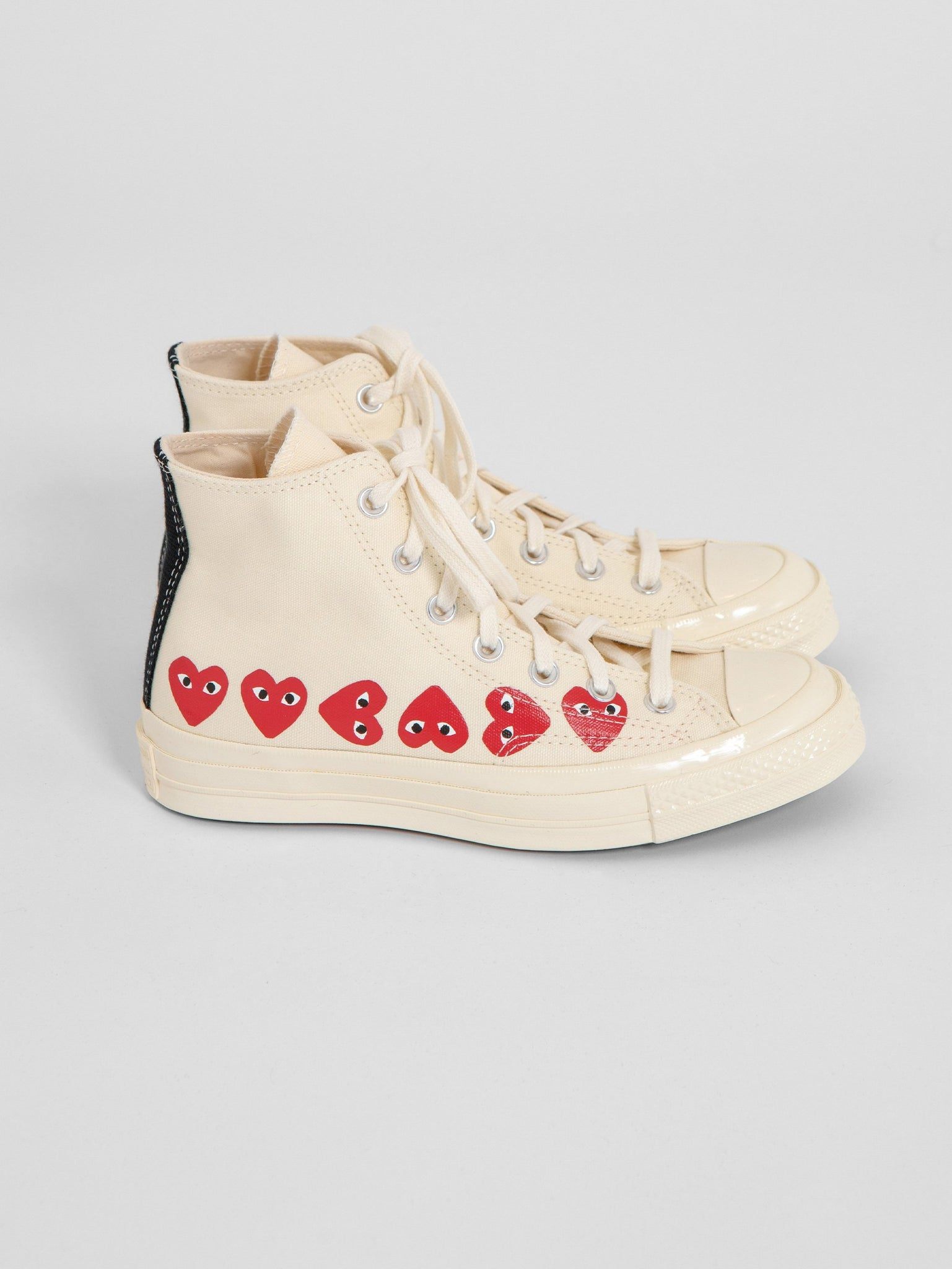 Play x Converse Multi Red Heart Chuck Taylor High Beige