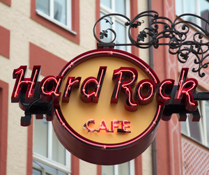 Hard Rock Cafe set Lunch | 2D1N Luxe Staycation EQ KL free minibar | 2 paxs