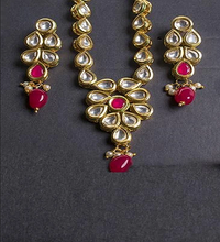 Load image into Gallery viewer, Kundan Mala Set In Ruby With Earrings