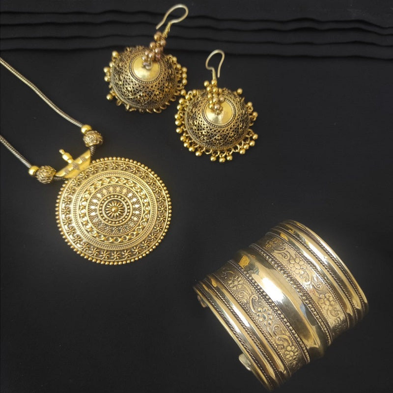 Tribal Kuchi Gold Tone Necklace, Earrings And Cuff Bracelet