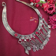 Load image into Gallery viewer, Stylish Choker With Ruby Stones