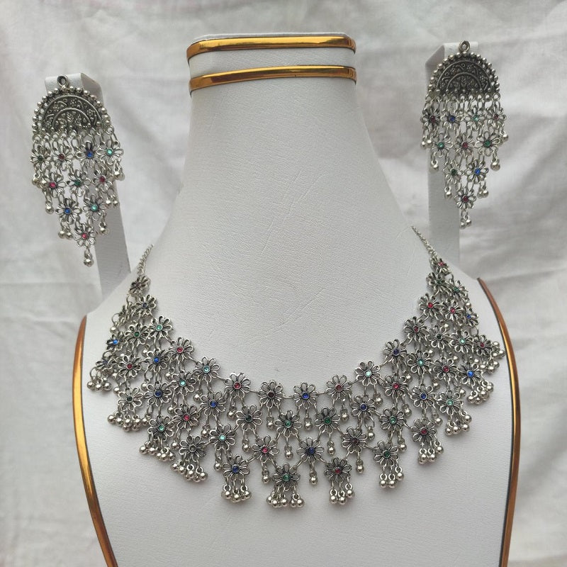 Ethnic Flower Necklace With Earrings