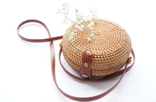 Load image into Gallery viewer, Round Handwoven Straw Bag in Natural