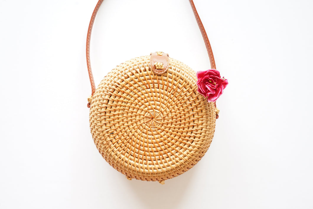 Round Handwoven Straw Bag in Natural
