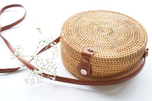 Load image into Gallery viewer, Round Structured Handwoven Straw Bag in Natural