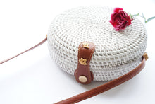 Load image into Gallery viewer, Round Handwoven Straw Bag in White