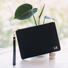 Load image into Gallery viewer, Signature Pouch in Noir