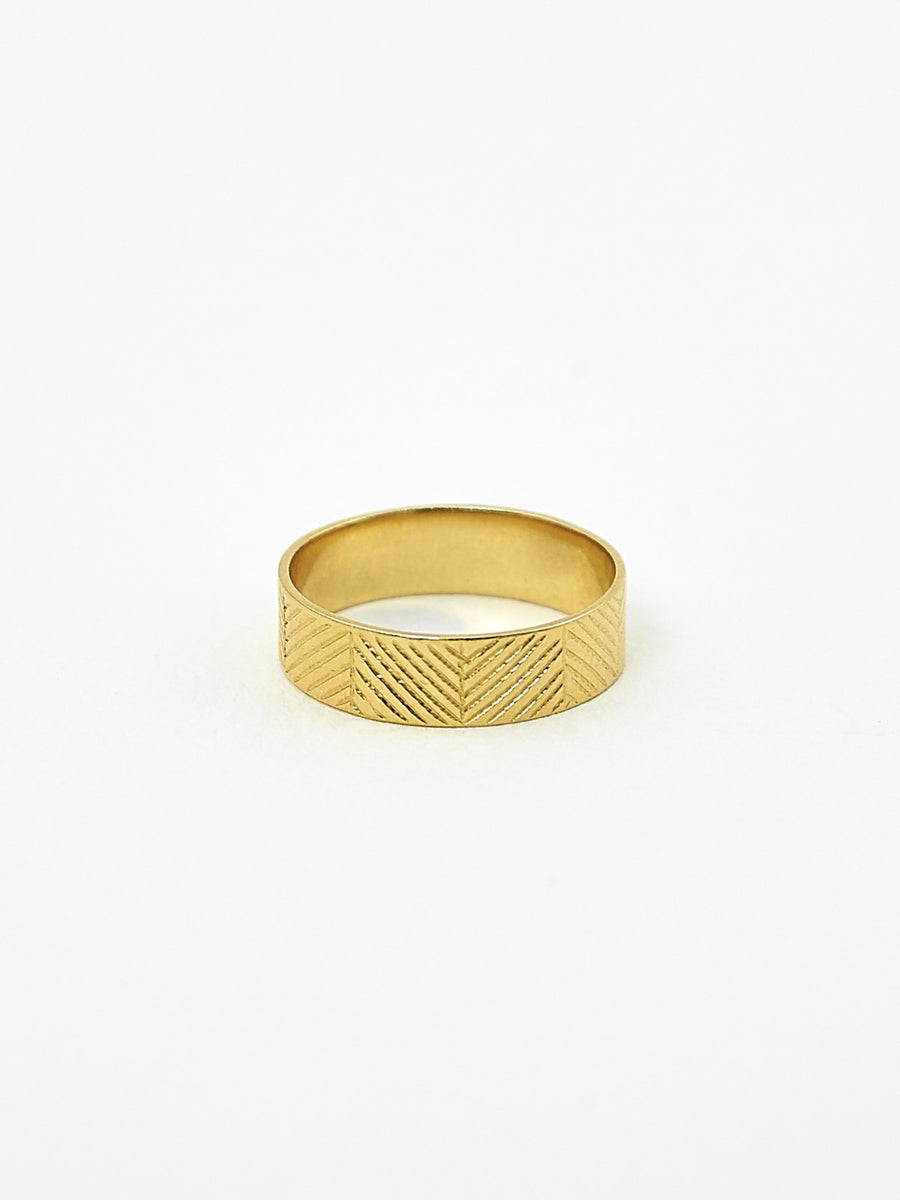Fine arrow vermeil ring