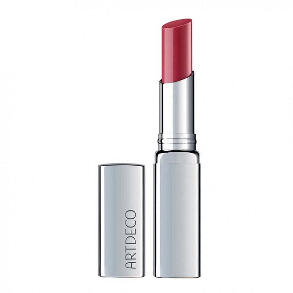 ArtDeco nourishing Colour Booster Lip Balm beautifies the natural lip colour with delicate colour pigments. The lips look beautifully relaxed and radiant. The glossy transparency makes the lips appear visually fuller. Nourishing apricot kernel oil and peach extract provide additional moisture.