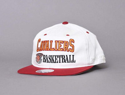 MITCHELL & NESS SNAPBACK CAP - DUNK CLEVLAND CAVALIERS OFF WHITE / RED