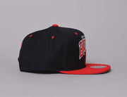 TEAM ARCH SNAPBACK CHICAGO BULLS