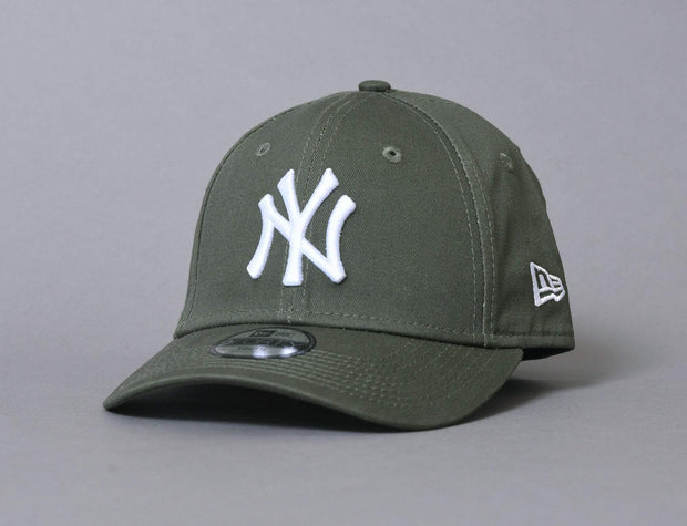 9FORTY Kids League Essential NY Yankees Olive/White