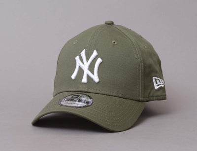 9FORTY League Essential NY Yankees Olive/white