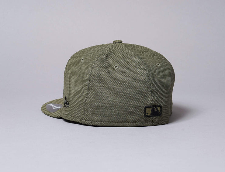Cap Fitted 59FIFTY Diamond Era Essential NY Yankees Olive/Black New Era