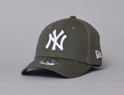 Kids 9FORTY League Essential NY Yankees Olive/White