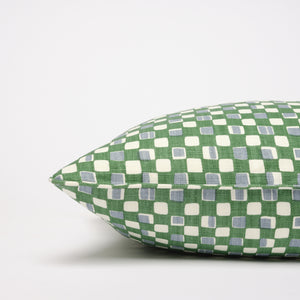 FAYE CUSHION  - PEA GREEN