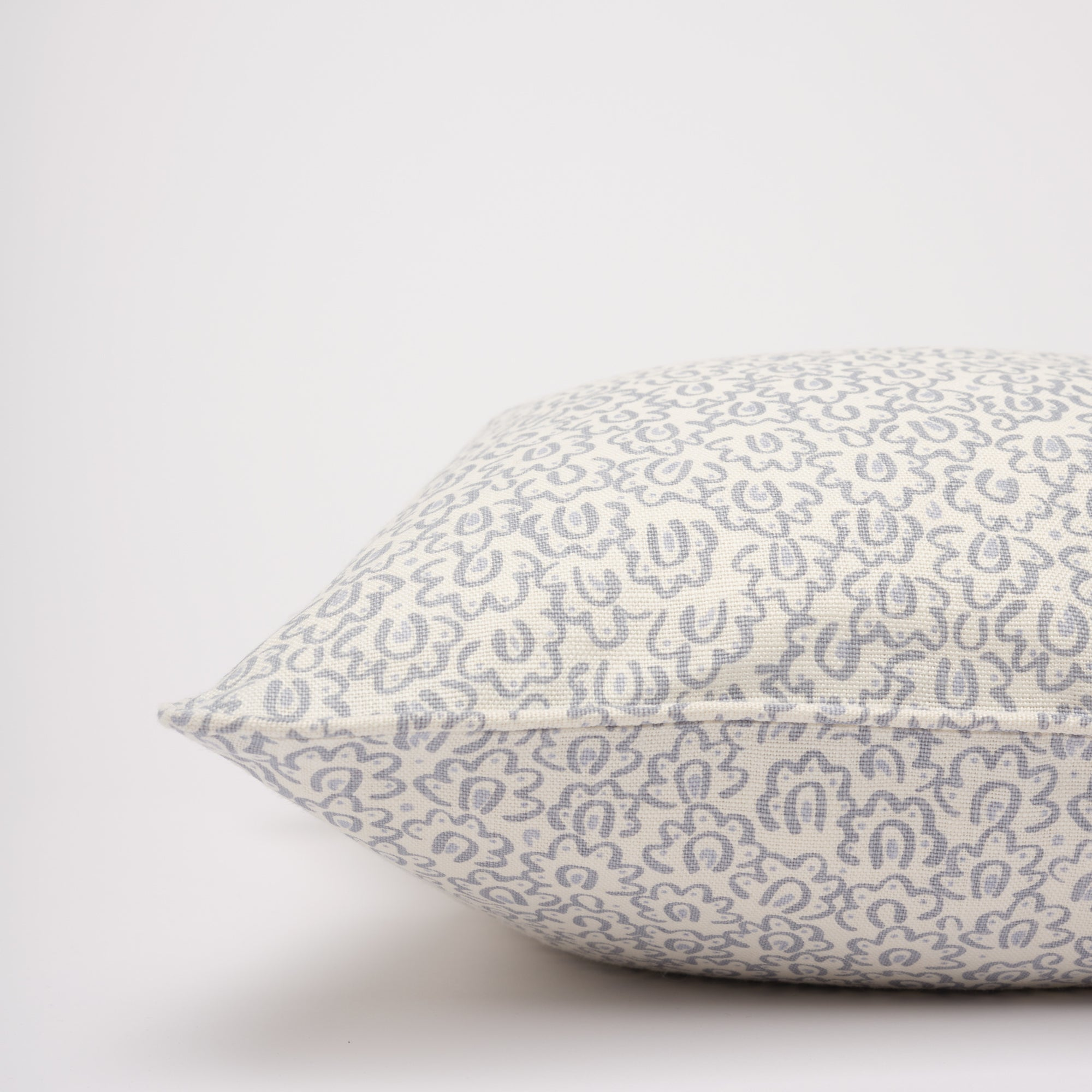 BARBRO CUSHION - DOVE BLUE